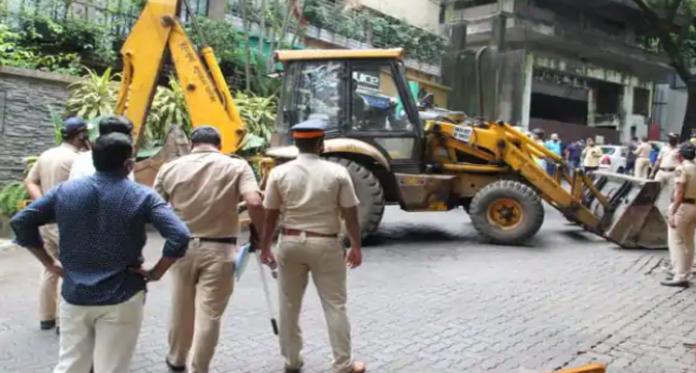 Kangana Reached Mumbai