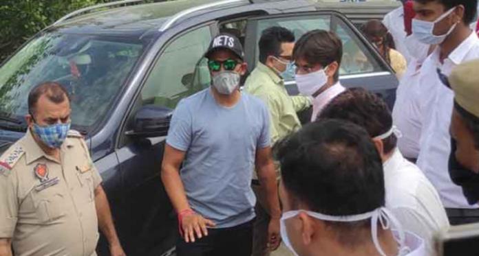 Suresh Raina Relatives Attack