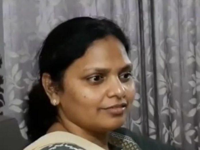 Fake Naxal Bhabhi